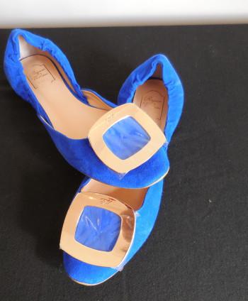 Roger Vivier Blue Flats