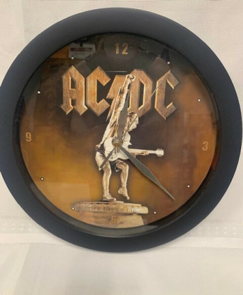 AC DC wall clock
